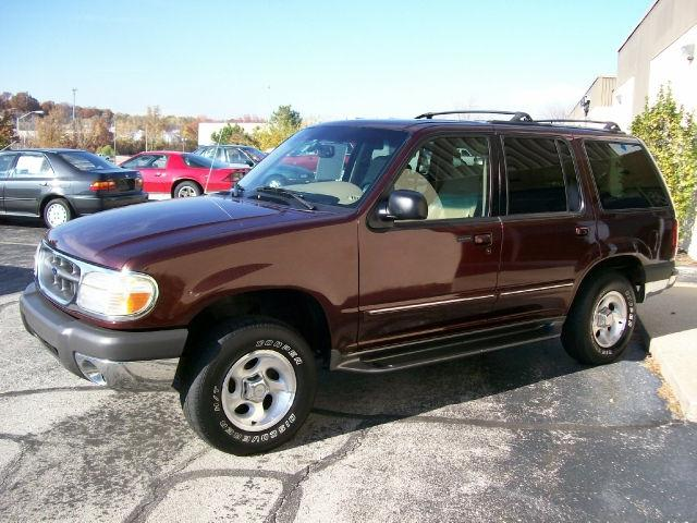 2000 ford explorer xlt for sale in overland park kansas. Black Bedroom Furniture Sets. Home Design Ideas