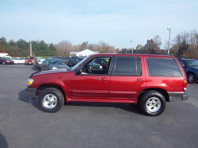 2000 ford explorer xlt for sale in lebanon pennsylvania classified. Black Bedroom Furniture Sets. Home Design Ideas