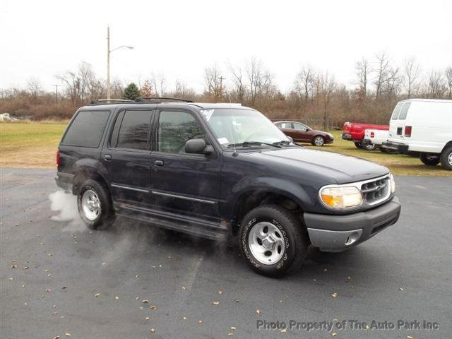 2000 ford explorer xlt for sale in rochester indiana classified. Black Bedroom Furniture Sets. Home Design Ideas