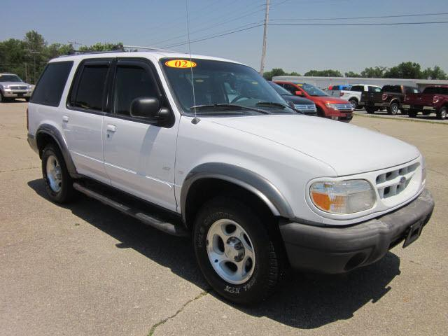 2000 ford explorer xlt for sale in mount carmel illinois classified. Black Bedroom Furniture Sets. Home Design Ideas