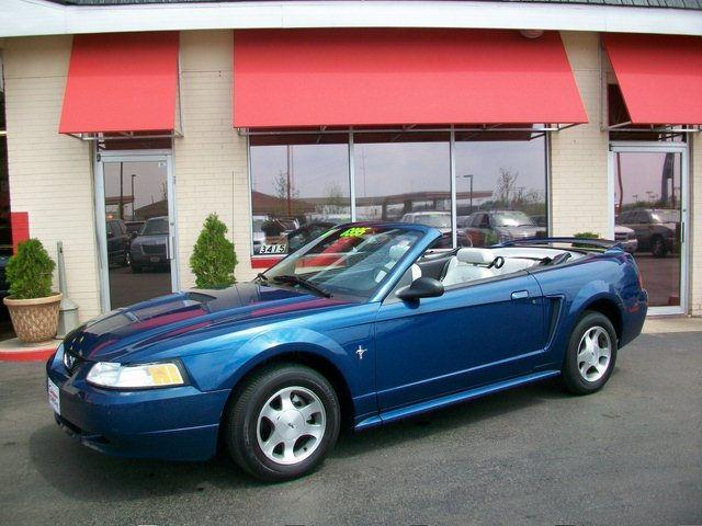 2000 ford mustang for sale in middleton wisconsin. Black Bedroom Furniture Sets. Home Design Ideas