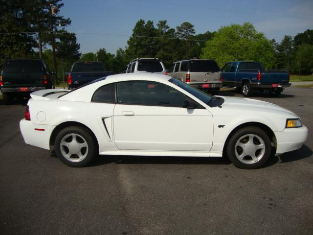 2000 ford mustang gt for sale in laurens south carolina classified. Black Bedroom Furniture Sets. Home Design Ideas