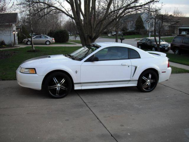 2000 ford mustang v6 white auto 159k mi for sale in. Black Bedroom Furniture Sets. Home Design Ideas
