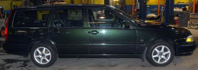 2000 hunter green volvo v70 wagon for sale in barrington. Black Bedroom Furniture Sets. Home Design Ideas