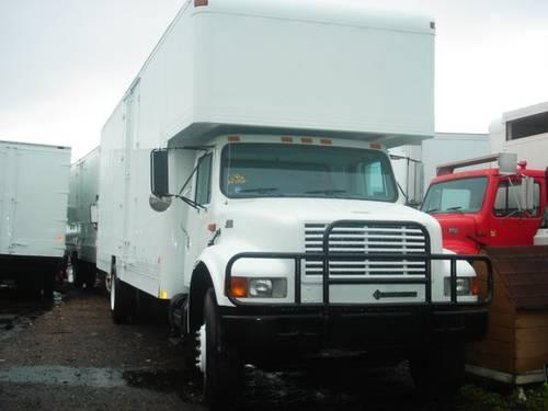 2000 International 4700 28 Moving Truck Am Haire Body