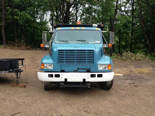 2000 international 4700 low boy dump truck 31k miles like new for sale in erie pennsylvania. Black Bedroom Furniture Sets. Home Design Ideas