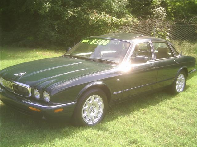 2000 jaguar xj8 for sale in memphis tennessee classified. Black Bedroom Furniture Sets. Home Design Ideas