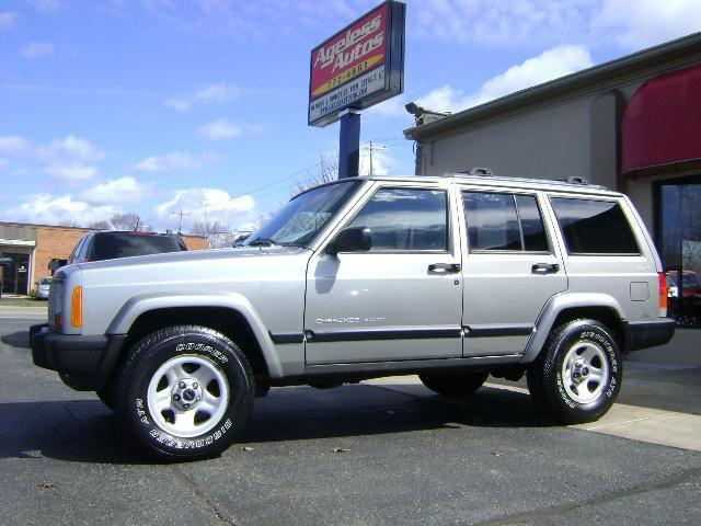 2000 jeep cherokee for sale in zeeland michigan classified. Cars Review. Best American Auto & Cars Review