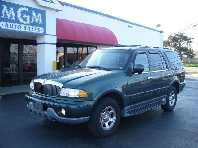 2000 lincoln navigator for sale in mason ohio classified. Black Bedroom Furniture Sets. Home Design Ideas