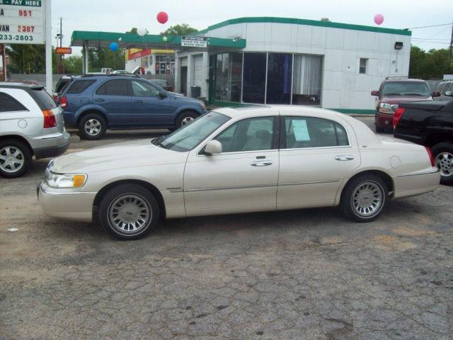 2000 lincoln town car cartier for sale in griffin georgia classified. Black Bedroom Furniture Sets. Home Design Ideas