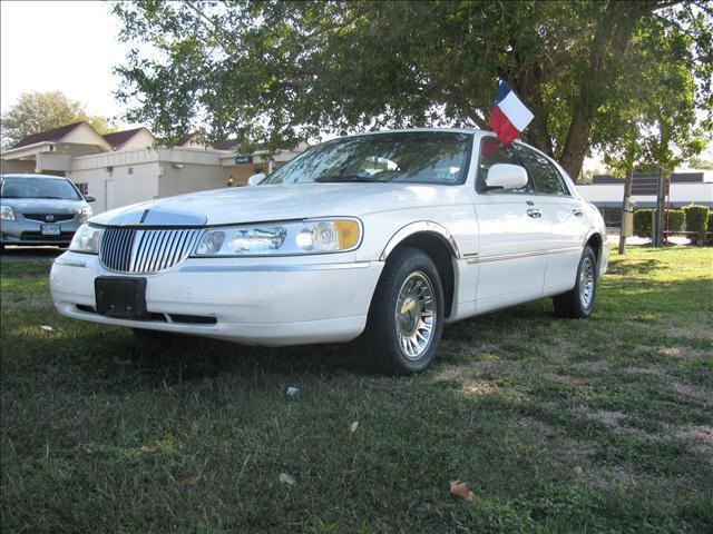 2000 lincoln town car cartier for sale in richmond texas classified. Black Bedroom Furniture Sets. Home Design Ideas