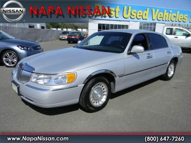 2000 lincoln town car executive for sale in napa california classified. Black Bedroom Furniture Sets. Home Design Ideas