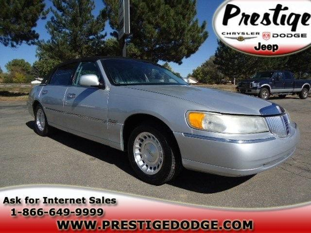 2000 lincoln town car executive for sale in longmont colorado classified. Black Bedroom Furniture Sets. Home Design Ideas