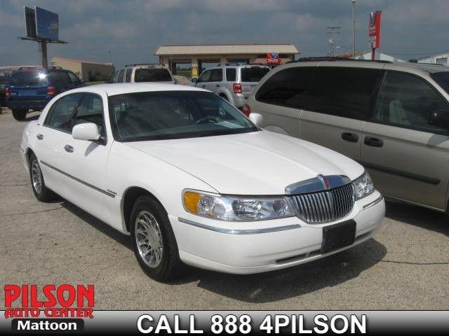2000 lincoln town car signature for sale in mattoon illinois classified. Black Bedroom Furniture Sets. Home Design Ideas