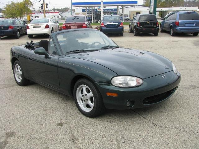 2000 mazda miata mx 5 2000 mazda miata car for sale in rockford il. Black Bedroom Furniture Sets. Home Design Ideas