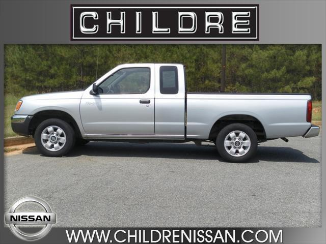 2000 nissan frontier xe for sale in milledgeville georgia classified. Black Bedroom Furniture Sets. Home Design Ideas