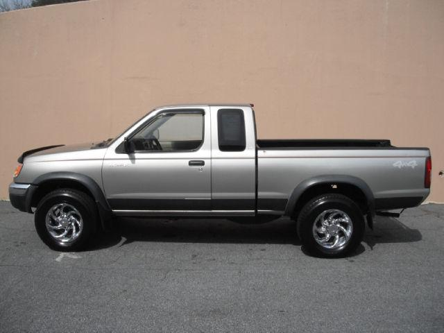 2000 nissan frontier xe for sale in sandy springs georgia classified. Black Bedroom Furniture Sets. Home Design Ideas