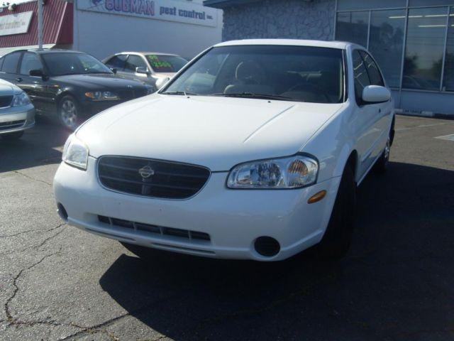 2000 nissan maxima 4dr white all power very clean great. Black Bedroom Furniture Sets. Home Design Ideas