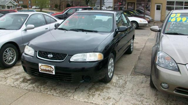 2000 nissan sentra gxe for sale in cedar rapids iowa classified. Black Bedroom Furniture Sets. Home Design Ideas