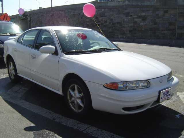 2000 oldsmobile alero gl for sale in brooklyn new york. Black Bedroom Furniture Sets. Home Design Ideas
