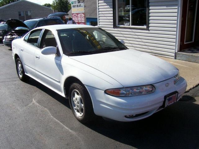 2000 oldsmobile alero gl for sale in webster new york. Black Bedroom Furniture Sets. Home Design Ideas