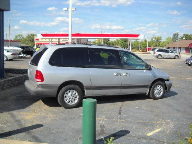 2000 plymouth grand voyager se for sale in south bend. Black Bedroom Furniture Sets. Home Design Ideas