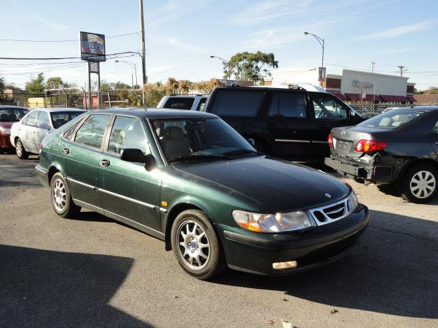 2000 saab 9 3 2000 saab 9 3 car for sale in chicago il 4366953104 used cars on oodle. Black Bedroom Furniture Sets. Home Design Ideas