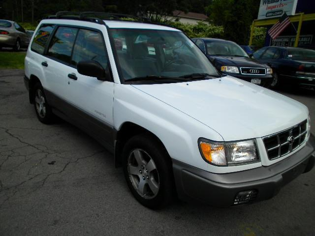 2000 subaru forester s for sale in webster new york classified. Black Bedroom Furniture Sets. Home Design Ideas