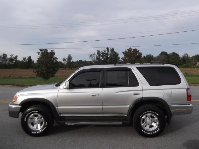 2000 Toyota 4Runner SR5 for Sale in Farmville, North ...