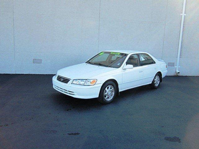 2000 toyota camry 2000 toyota camry car for sale in dover de 4347678345 used cars on oodle. Black Bedroom Furniture Sets. Home Design Ideas