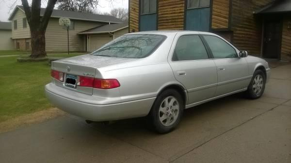 2000 toyota camry le 161k mi for sale in minneapolis minnesota classified. Black Bedroom Furniture Sets. Home Design Ideas