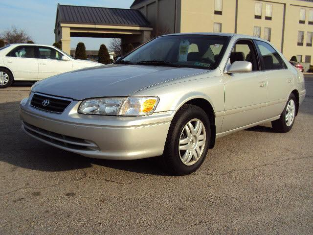 2000 toyota camry le for sale in uniontown pennsylvania classified. Black Bedroom Furniture Sets. Home Design Ideas