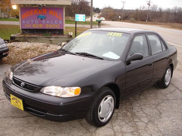 2000 toyota corolla ce for sale in germantown wisconsin classified. Black Bedroom Furniture Sets. Home Design Ideas