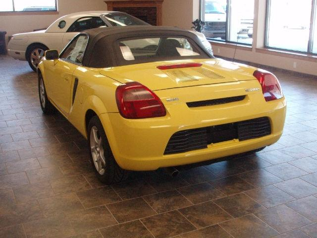 2000 toyota mr2 spyder for sale in urbandale iowa classified. Black Bedroom Furniture Sets. Home Design Ideas