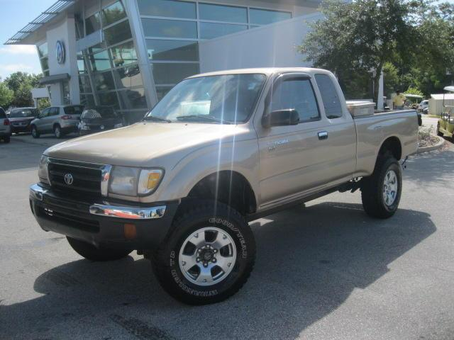 2000 toyota tacoma for sale in sanford florida classified. Black Bedroom Furniture Sets. Home Design Ideas