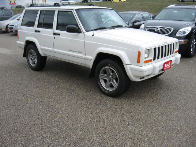 2000 jeep cherokee classic for sale in saukville wisconsin classified. Cars Review. Best American Auto & Cars Review