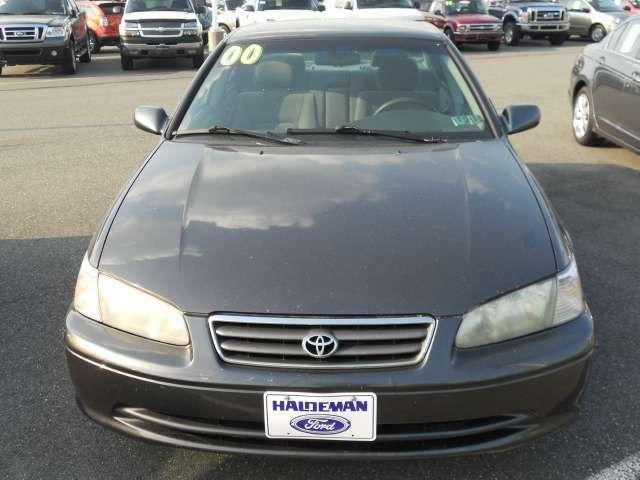 2000 toyota camry le for sale in kutztown pennsylvania classified. Black Bedroom Furniture Sets. Home Design Ideas