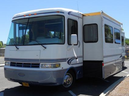 2001 35' Class A Rexhall Aerbus Motorhome with 2 Slides for