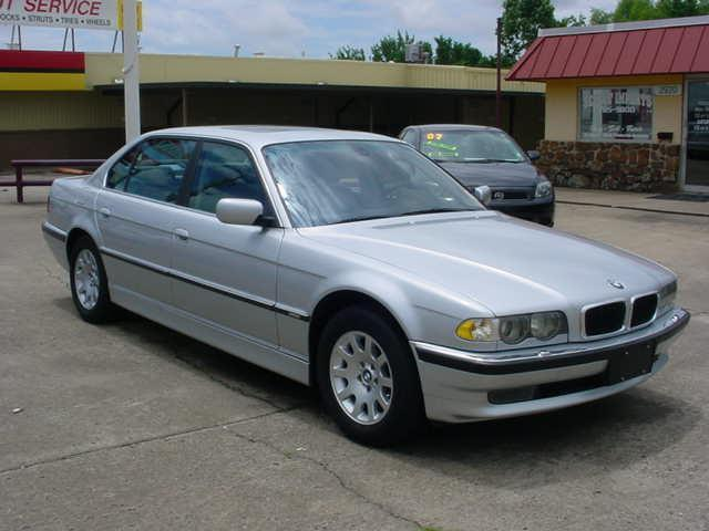 2001 BMW 7 Series 740iL 740iL 4dr Sedan