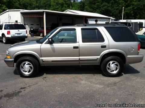 2001 chevrolet blazer 4x4 for sale in erwin heights north carolina classified. Black Bedroom Furniture Sets. Home Design Ideas