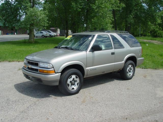 2001 chevrolet blazer ls for sale in charlotte michigan classified. Black Bedroom Furniture Sets. Home Design Ideas