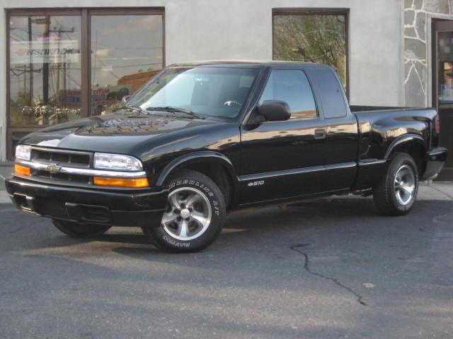 2001 chevrolet s 10 ls extended cab for sale in whitehall pennsylvania classified. Black Bedroom Furniture Sets. Home Design Ideas