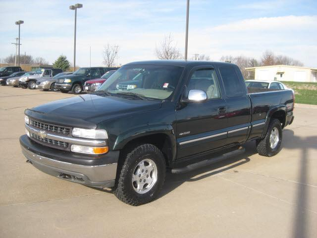 2001 Chevrolet Silverado 1500 LS for Sale in West ...