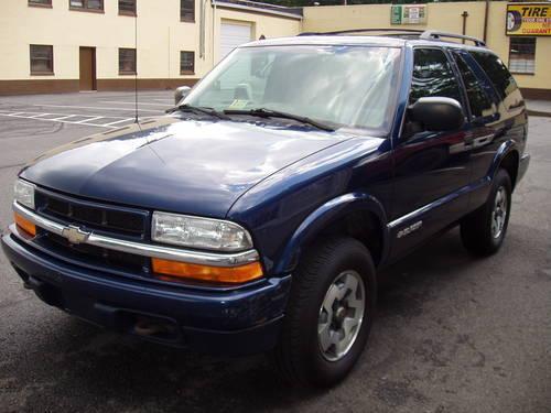 2001 CHEVY BLAZER LS , LOW MILES , 4X4 , NICE SUV