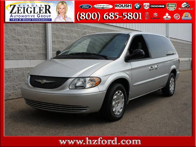 2001 Chrysler Town Amp Country Lx For Sale In Plainwell
