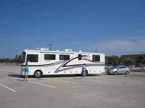 2001 DISCOVERY by FLEETWOOD MOTOR HOME