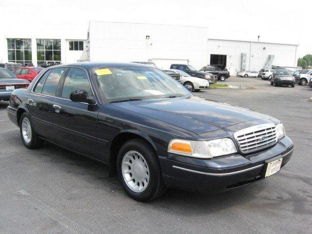 2001 Ford Crown Victoria Lx For Sale In Versailles