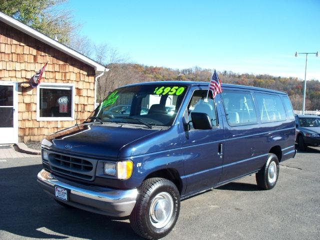 2001 Ford E350 Super Duty Xl Wagon For Sale In Hampton