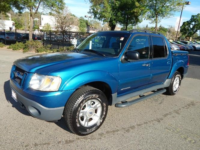 2001 Ford Explorer Sport Trac 4dr 4wd 1st Owner Showroom Condition