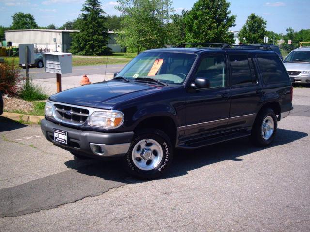2001 ford explorer xlt for sale in fredericksburg virginia classified. Black Bedroom Furniture Sets. Home Design Ideas